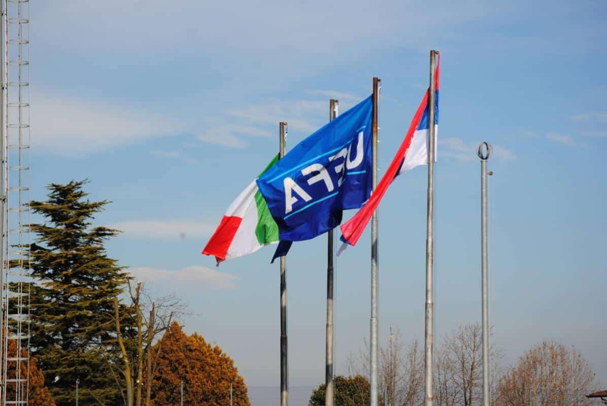 amichevole Under 17 ITALIA-SERBIA bandiere Italia UEFA